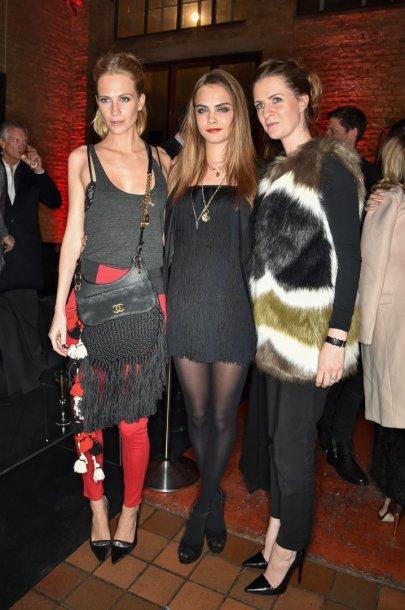 Poppy, Cara ir Chloe Delevingne
